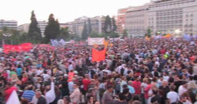 """In Grecia migliaia in piazza a sostegno del """"no"""" a ..."""