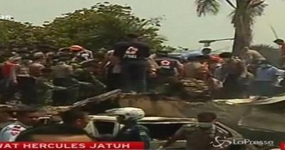 Indonesia, almeno 30 morti in schianto aereo militare a ...