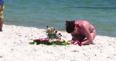 """I turisti sfidano il terrorismo in Tunisia: """"Restiamo qui"""""""