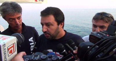 Immigrati, Salvini: anche alcuni sindaci Pd hanno scatole ...