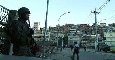 L'esercito lascia la favelas di Rio, primo test sulla ...