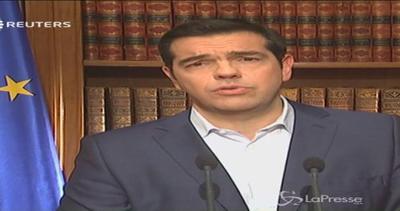 Tsipras rompe gli indugi: Votate 'no' al referendum