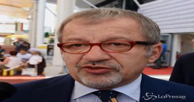 Terrorismo, Maroni: Si contrasta fermando gli sbarchi, ...