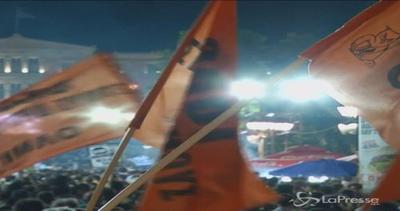 Piazza Syntagma dice 'no' al referendum. Tsipras: Restare ...
