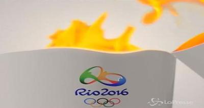 Rio 2016 : presentata torcia olimpica a Brasilia