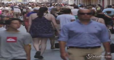 Primo giorno di saldi estivi: in centinaia a Roma a caccia ...
