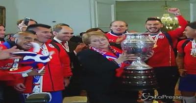 Cile vince Coppa America: festa grande con presidentessa ...