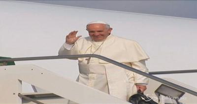 Papa Francesco vola in Sud America: prima tappa a Quito in ...