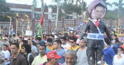 Honduras, protesta ad oltranza diventa business d'oro