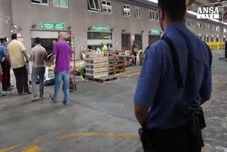 Sparatoria in un mercato, morto ventitreenne