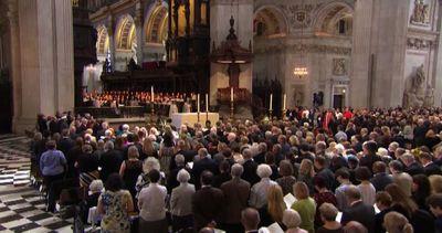 A dieci anni dagli attentati Londra ricorda le vittime