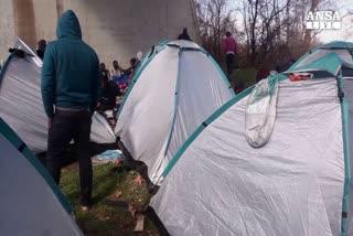 Ungheria, parlamento approva 'muro anti-immigrati'