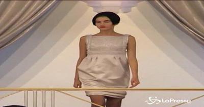Chanel sfila tra i tavoli del casinò, gioca anche Kristen ...