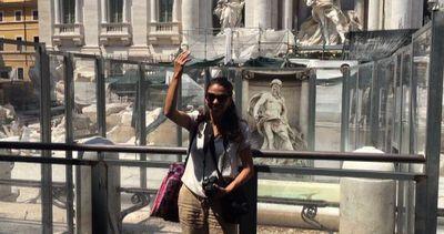 Via i ponteggi, riemerge la facciata della fontana di Trevi