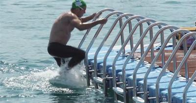 In 2mila per la super gara: a nuoto tra due continenti