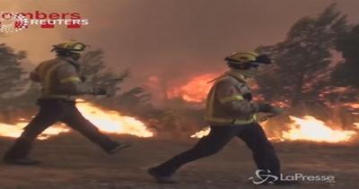 Maxi incendio in Catalogna: le immagini infernali del rogo