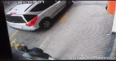 Omicidio Asti: il video dell'assassino davanti alla ...