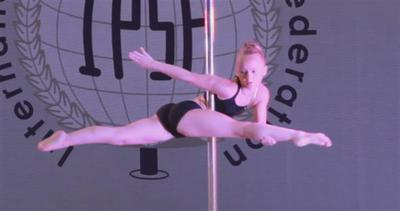 Pole-dance: dai night club alle Olimpiadi, o quasi