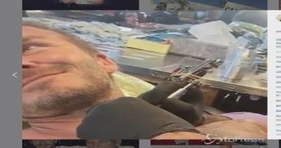 David Beckham in balia del tatuatore: dedica il tattoo alla ...