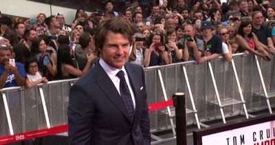 """Folla per Tom Cruise a New York per la nuova """"Mission ..."""