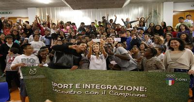 La grazia di Anzhelika e #Fratellidisport insieme per ...