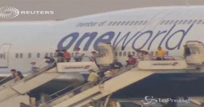 Allarme oggetto sospetto su volo per Londra: atterraggio di emergenza in Canada
