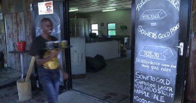 Sudafrica, birra e paradosso: fatta dai neri, bevuta dai bianchi