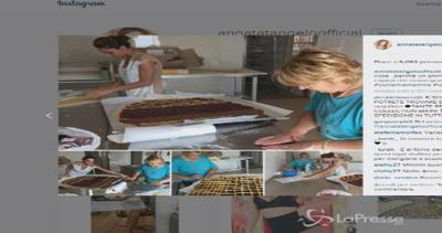 Anna Tatangelo prepara una crostata con la mamma