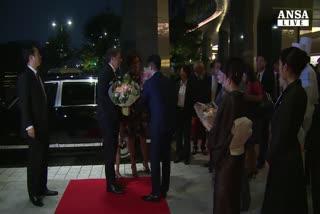 Renzi arrivato in Giappone, domani incontra imperatore e Abe