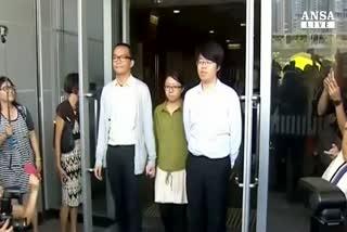 A Hong Kong la protesta dei reggiseni contro arresto donna