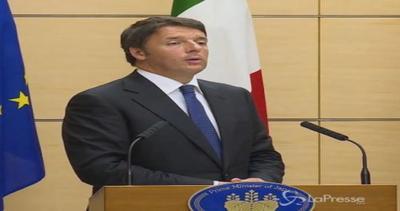 Abe in conferenza stampa con Renzi: Grazie a Matteo Italia ...