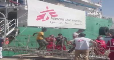 Sbarcati a Palermo oltre 500 migranti: sulla nave anche 5 ...