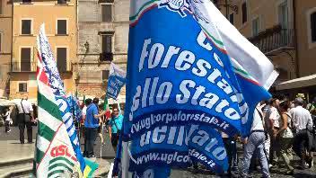 Forestale, sindacati in piazza contro scioglimento