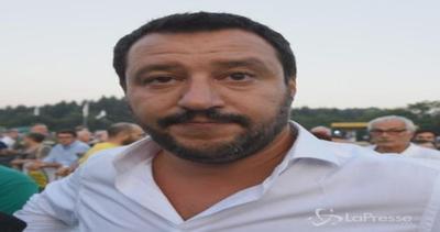 Salvini: Renzi buono solo su Twitter, delle sue riforme non ...