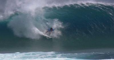 Surf in Polinesia: al francese Jérémy Florès la ...