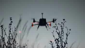 La danza luminosa del drone