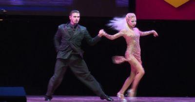 A Buenos Aires le spettacolari esibizioni dei ballerini di ...