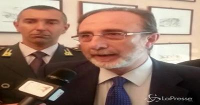 Dieci presunti scafisti fermati a Palermo per l'omicidio di ...