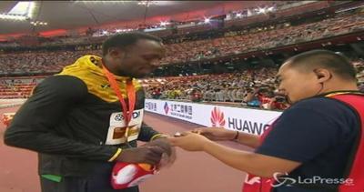 Braccialetto portafortuna per Bolt: il regalo del cameraman ...