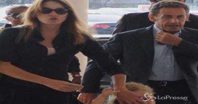 Famiglia Sarkozy al completo a Buenos Aires: Nicolas e ...