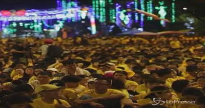 Migliaia di magliette gialle in Malesia contro il primo ...
