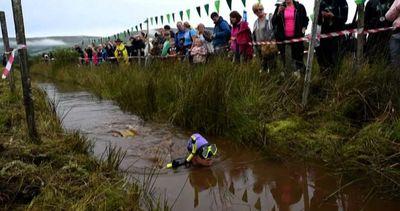 Freddo e melma, in Galles campionato di snorkeling nella ...