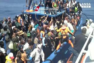 Migranti, Merkel: l'Italia va aiutata