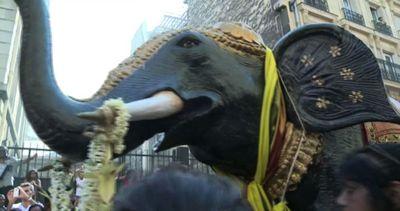 Parigi diventa un po' indiana con la festa di Ganesh