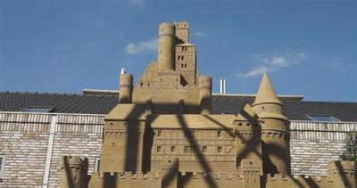Dormire in un castello di sabbia? Ora si può