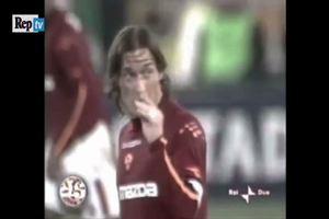 Digne come Totti: mima il risultato e fa arrabbiare i ...