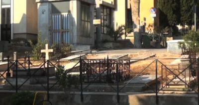 Palermo seppellisce i migranti morti