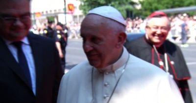 Papa: i sacerdoti assolvano le donne pentite che hanno ...