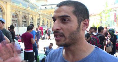 Caos a Budapest, i migranti: vogliamo andare via da qui