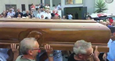 Coniugi uccisi a Palagonia, salme in Comune per camera ...